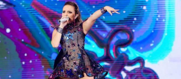 Larissa Manoela adiou o show que faria em São Paulo por causa das eleições