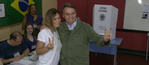 Bolsonaro liderou todas as pesquisas no segundo turno