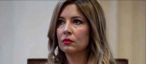 """Selvaggia Lucarelli bacchetta Mediaset: """"Perché continuate ad invitare Corona, nei vostri salotti""""."""