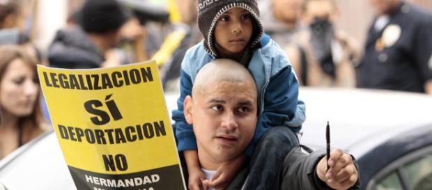 Estados Unidos anuncia deportación masiva de inmigrantes ilegales. - expresolatino.net