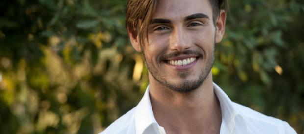 GF Vip: Francesco Monte accusato di omofobia e razzismo sui social.