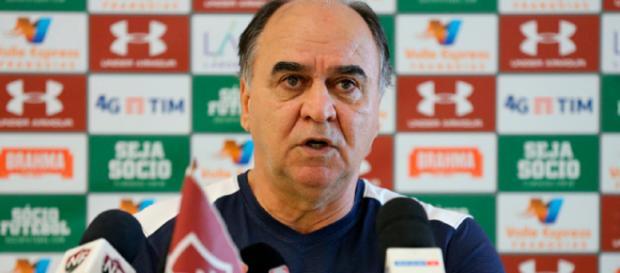 Marcelo Oliveira elogia vontade de reservas na derrota para o Santos (Foto: Lucas Merçon)