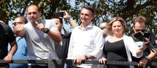 Eduardo Bolsonaro insinua prisão de petistas
