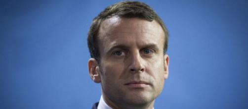 Emmanuel Macron chute dans tous les sondages