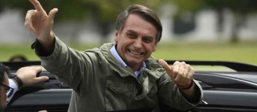 Jair Bolsonaro é eleito presidente, derrotando Fernando Haddad