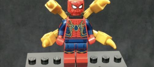Uma peça de Lego entregou os quatro braços mecânicos do Homem-Aranha. (foto reprodução).