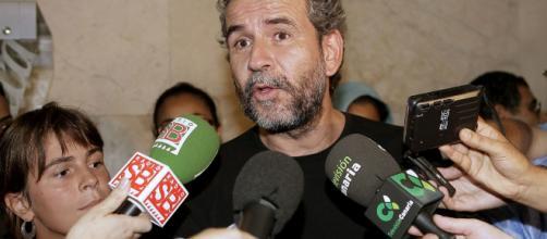 """Willy Toledo asegura que a VOX solo se le puede combatir """"a hostias"""""""