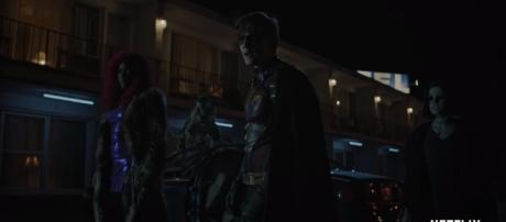 Robin forms his own team with Starfire, Raven, and Beast Boy in the new 'Titans' trailer [Image Credit: Netflix UK/YouTube screencap]