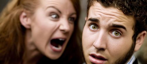 Alguns hábitos no relacionamento podem deixar os homens extremamente irritados e, neste, artigo, separamos quais são eles. (foto reprodução)