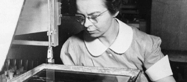 Katharine Blodgett, inventora do vidro invisível sem distorções em 1935 (Imagem: Reprodução/Megacurioso)