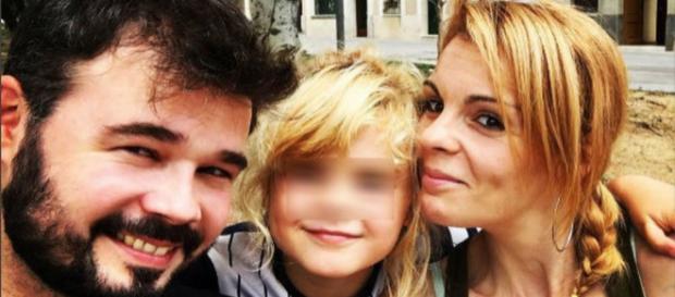 Rufián y su familia en imagen de archivo