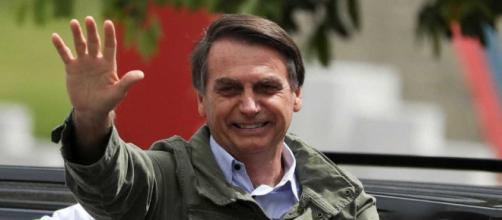 Eleito presidente com 55,13% dos votos válidos, Bolsonaro começa transição de Governo . - com.br