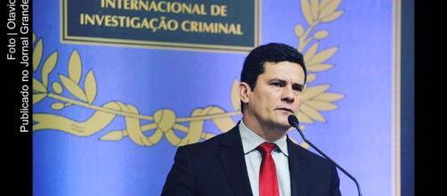 Juiz Sérgio Moro emite nota relacionada ao convite do presidente eleito Jair Bolsonaro, para que assuma Ministério ou STF (foto reprodução)