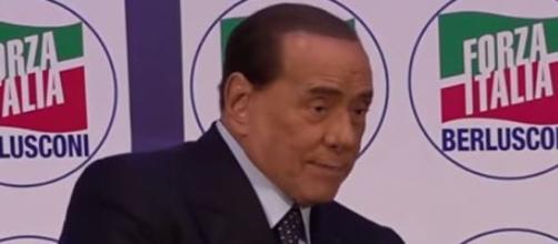 Silvio Berlusconi a Milano mette in discussione l'alleanza con la Lega