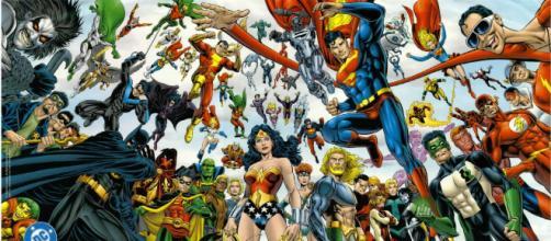 A DC Comics conta com centenas de super heróis. (foto reprodução).