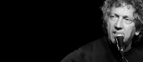 Eugenio Bennato apre 'Suoni della città' al teatro Sannazaro di Napoli