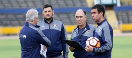 Marcelo Oliveira divulga a escalação do Fluminense para encarar o Nacional