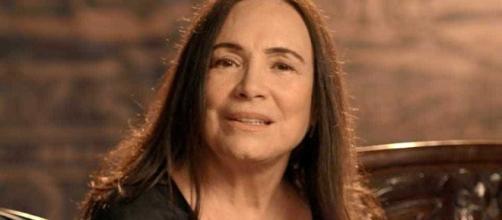 Regina Duarte comemora vitória do seu candidato. (foto reprodução).