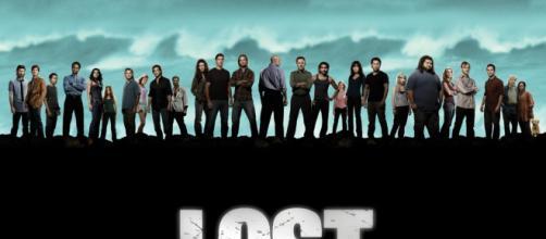 Lost conta a história de um grupo de pessoas que cai em uma ilha misteriosa.