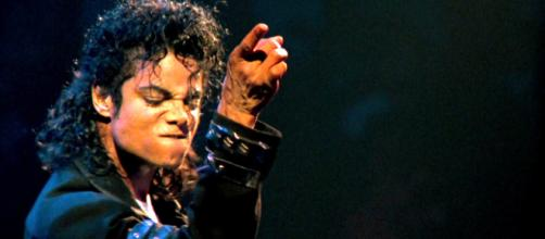 O Rei do Pop teve uma carreira recheada de controvérsias desde o início.