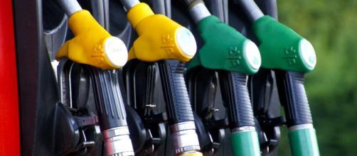 Carburanti, cambiano i nomi di diesel e benzina