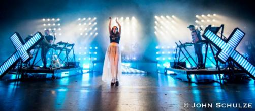Chvrches perform in Milwaukee, WI on October 4th, 2018 ©John Schulze