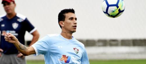 Recuperado de lesão, Dodi treina normalmente e pode retornar contra o Paraná (Foto: Maílson Santana)