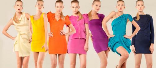 As cores têm significados associados, torna-se indispensável saber quais as mensagens que transmitimos ao vestir roupas de determinadas cores.