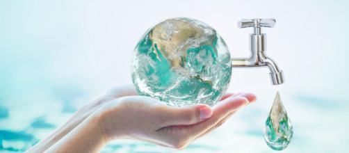 Economizar água é de extrema importância, não apenas quando seu bairro ou seu condômino está em racionamento