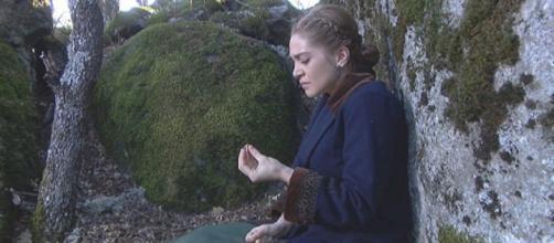 Il Segreto anticipazioni: Prudencio tenta di violentare Julieta