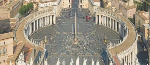 O Vaticano se difere de outros países desde sua estrutura, até a sua língua.