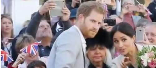 Prince Harry and Meghan Markle in a crowd [Image courtesy – TV News 24h YouTube video]