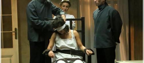 Spoiler, Una Vita: Blanca minaccia di uccidere la carnefice che l'aveva torturata