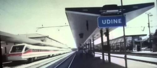 Udine, muore a 16 per overdose in stazione, i genitori: 'Mai stata tossicodipendente'   youtube.com
