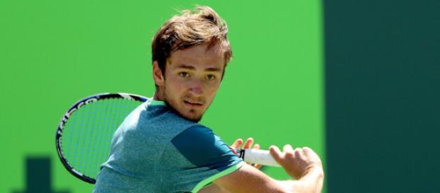 Daniil Medvedev se hisse en finale du tournoi de Tokyo