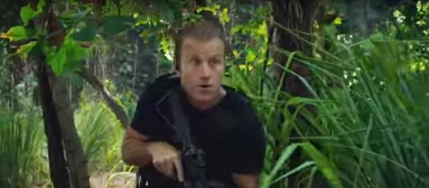 Danny (Scott Caan) has to tackle the deep jungle to save a friendly spy on Hawaii Five-O Season 9. [Image source:TVpromosdb-YouTube]