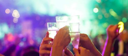 Os famosos drinks são coquetéis que levam espumante na receita, para brindar em família.