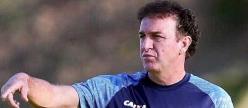 Santos tem que melhorar profissionalmente, diz Cuca. Técnico vai em busca de classificação para 2019. (foto reprodução).
