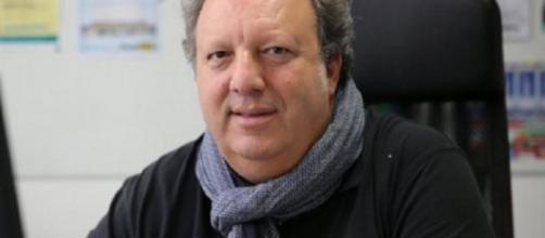 Stéphane Bitton pense qu'une victoire du PSG contre Lyon est obligatoire pour leur permettre d'être définitivement lancé