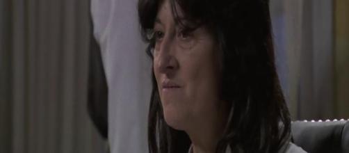 Una Vita, puntate spagnole: Ursula Dicente internata in manicomio