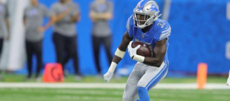 Kerryon Johnson has helped the Lions offense in a big way so far in 2018. [Image via Detroit Lions.com/YouTube]