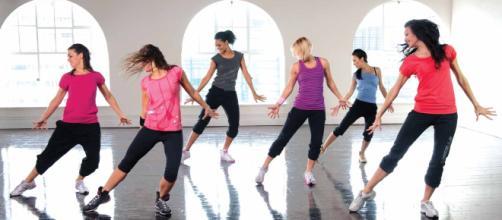 A dança pode trazer inúmeros benefícios: terapêuticos, culturais, sociais e educacionais.