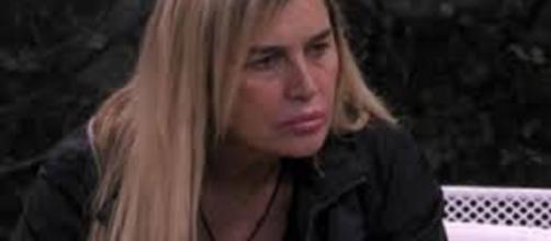 Lory Del Santo si commuove parlando del figlio scomparso Loren