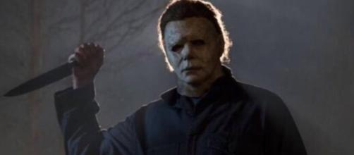 Michael Myers is back! [Image via OldFashionedSlashin'/YouTube]