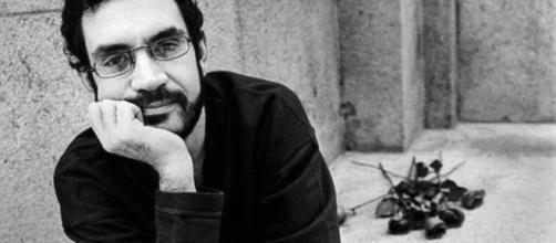 Renato Russo é um dos maiores ícones da história da música brasileira. (foto reprodução).