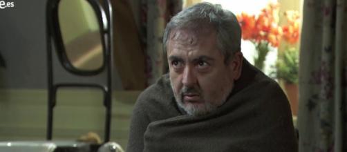 Una Vita, trame spagnole: Servante è molto malato, Rosina smaschera Maria