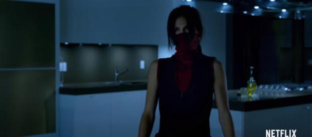 Elodie Yung teased he possible return of Elektra in 'Daredevil' season 3 [Image Credit: Netflix/YouTube screencap]