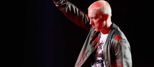 Eminem é um dos artistas com mais álbuns vendidos na história.