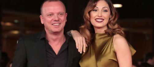 Gigi D'Alessio smentisce sulla rottura con Anna Tatangelo ... - gds.it