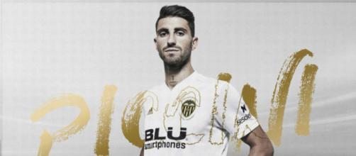 L'esterno del Valencia sostituisce l 'infortunato D'Ambrosio in Nazionale